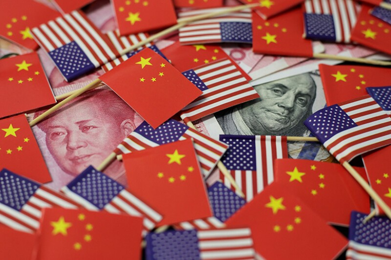 US-China-flags-money-R-780.jpg