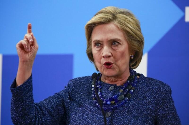 Hillary Clinton-R-600