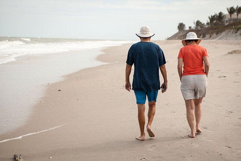 beach-walk-retired-780.jpg