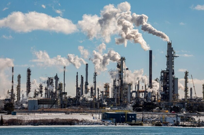 Fossil fuel oil refinery Suncor Canada from Alamy 5Aug21 575x375