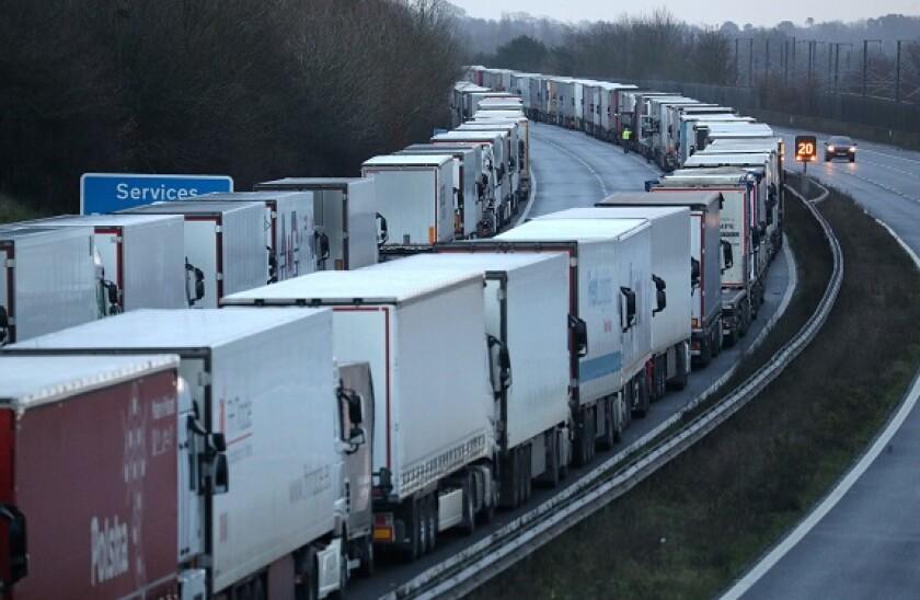 M20_lorries_border_chaos_PA_575x375_Dec22.jpg