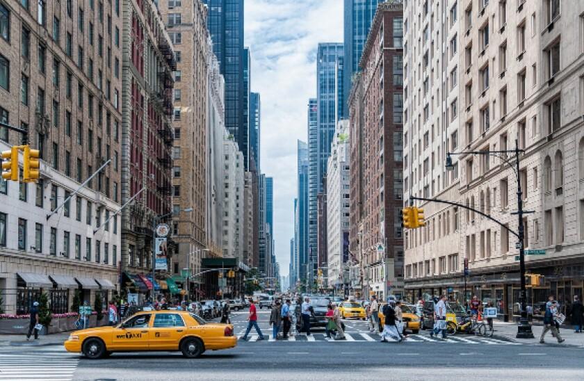 pexels people move new york 575x375