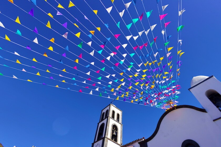 Mexico, flags, church, telecoms, telco, cables, lines, LatAm, 575