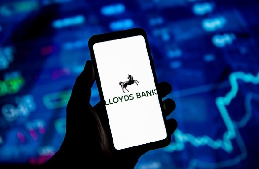 Lloyds_mobile_PA_575x375_020420