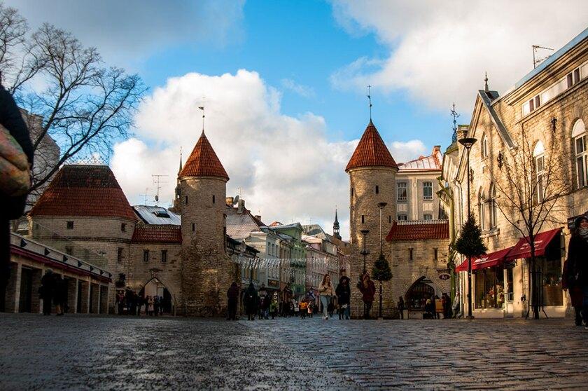 Tallinn-old-town-free-960.jpg