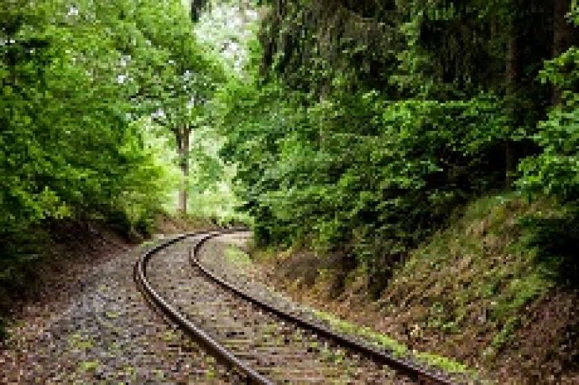 Train track fotolia 230x150