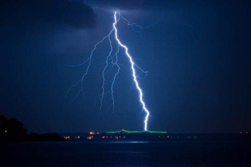 lightning-bolt-flash-780