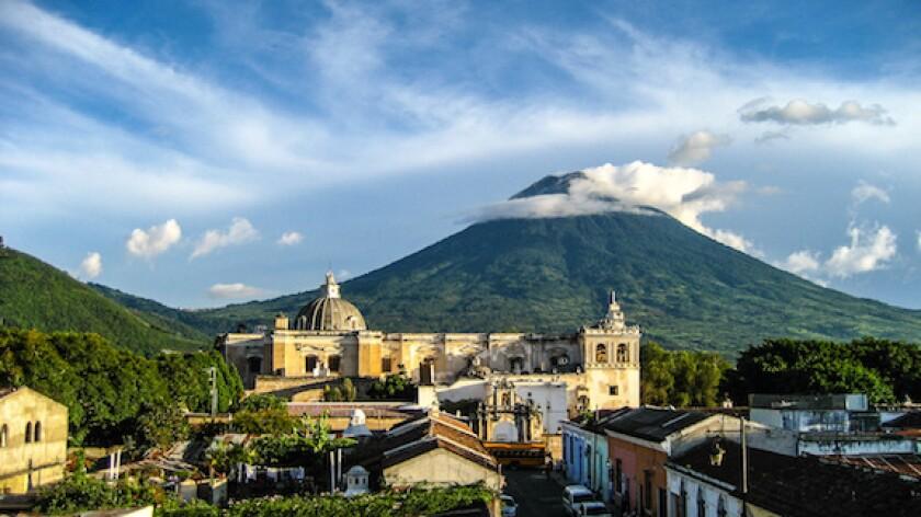 Guatemala, Antigua, calm, volcano, LatAm, 575, Central America