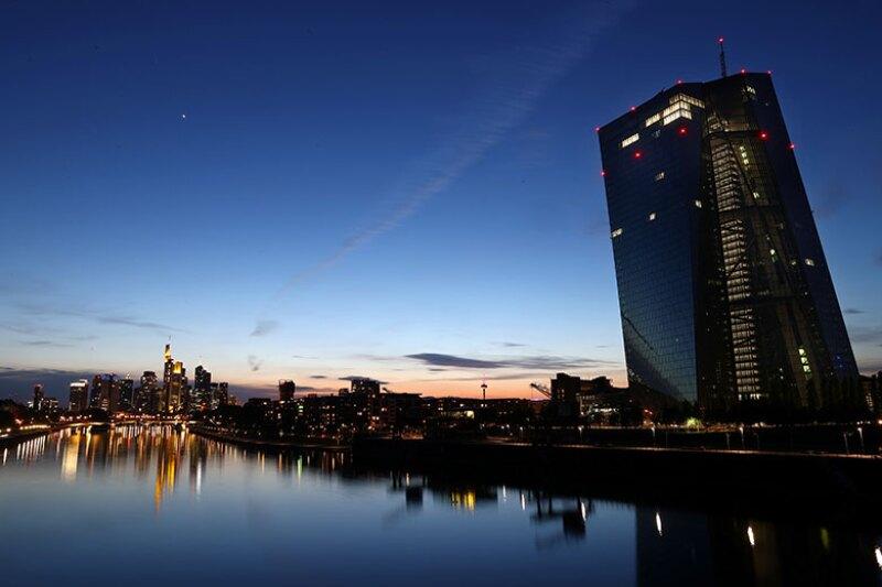 ECB-HQ-dawn-dusk-R-780.jpg