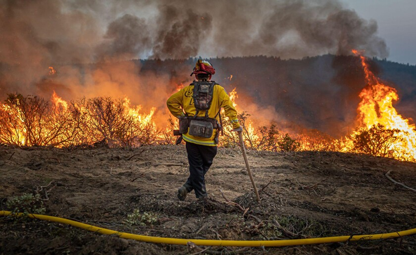 Caldor, United States. 23rd Aug, 2021. California's Caldor fire moves east toward Lake Tahoe as crews continue to battle a blaze that has grown to more than 170 square miles with only 5% containment. (Photo by Michael Nigro/Pacific Press) Credit: Pacific