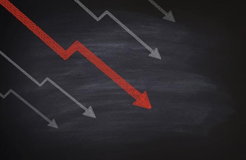 Arrow_chart_decline_yield_Adobe_575x375_280120
