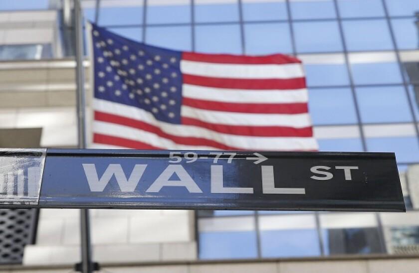Wall_Street_3_alamy_575_375