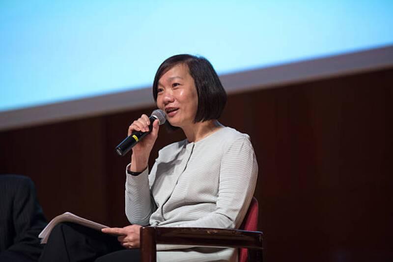 HSBC Greater China CEO Helen Wong, Li & Fung Chairman Victor Fung Speak At Seminar