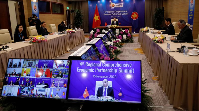 RCEP-summit-Vietnam-Nguyen-Xuan-Phuc-R-960x535.png