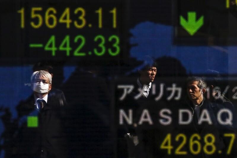 Japan investors-R-600