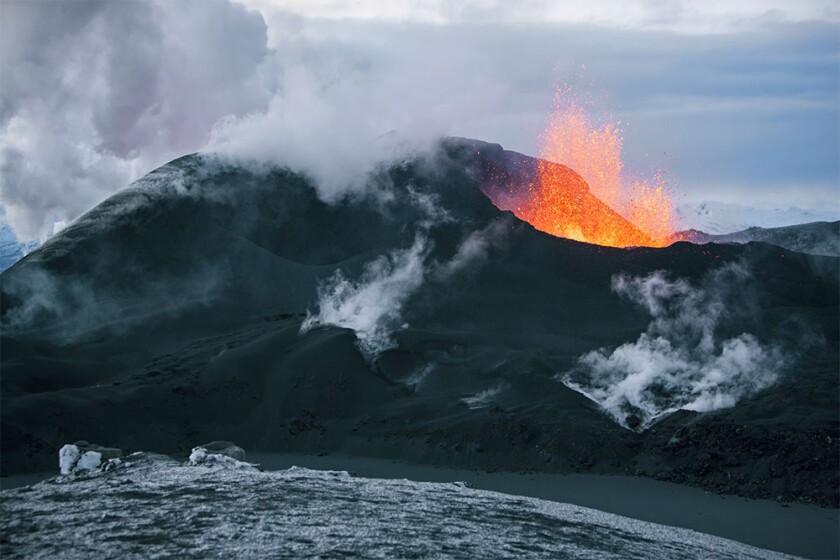 Volcano eruption in Eyjafjallajokull in Iceland.jpg