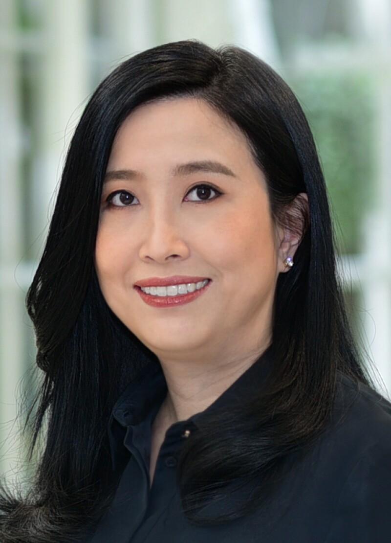 Metinee Jongsaliswang, Siam Commercial Bank.jpg