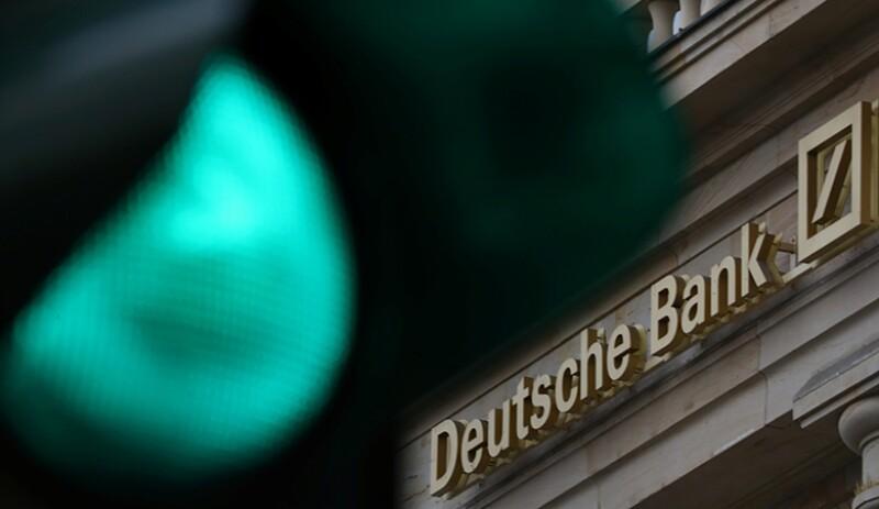Deutsche-bank-green-light-R-780