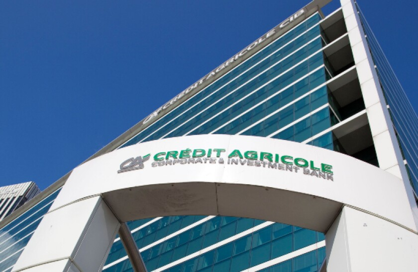 alamy 2021-05-10 credit agricole cib hq paris 575x375