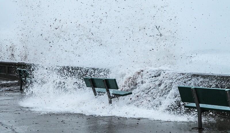 sea-storm-bench-surge-780.jpg