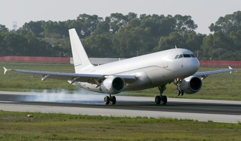 alpha-star-airbus-a320-216-landing-istock-635798174-web.jpg