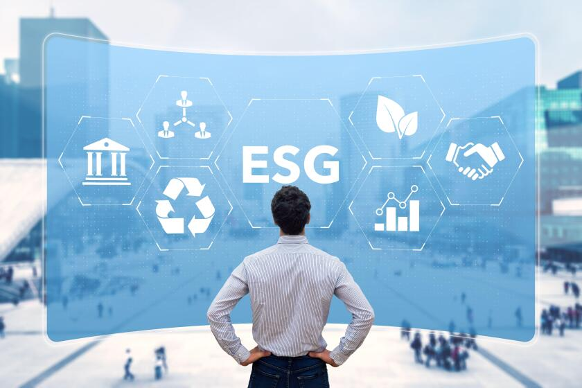 ESG Environmental Social Governance sustainable development and investment evaluation. Green ethical business preserving resources, reducing CO2, cari