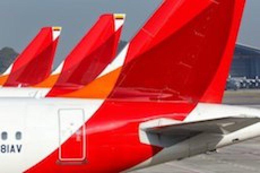 Avianca, airline, Colombia, Lima, airport, Peru, LatAm