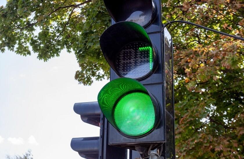Seven_number_green_light_Alamy_575x375_150421