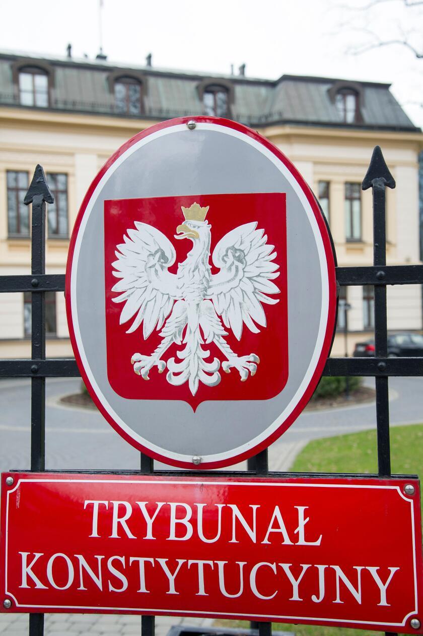 The seat of the Constitutional Tribunal (Trybunal Konstytucyjny) in Warsaw, Poland. 22 March 2017  © Wojciech Strozyk / Alamy Stock Photo