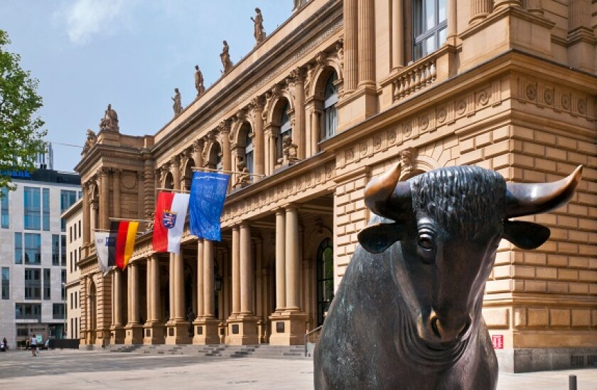 Statue of a bull outside the Frankfurt Stock Exchange