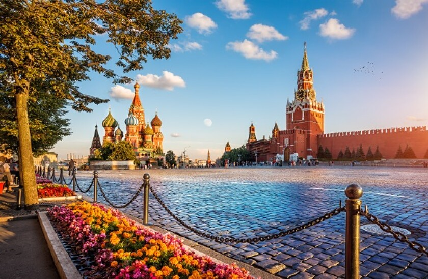 Moscow_st Basils_red_Square_Adobe_575x375.jpg