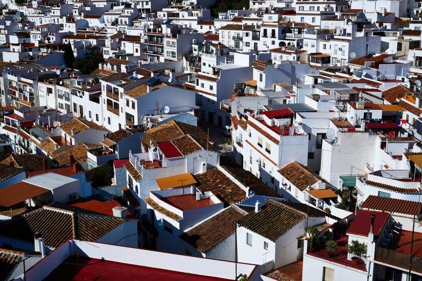 buildings-g05b304c55_1920.jpg