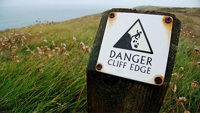 danger cliff edge-600