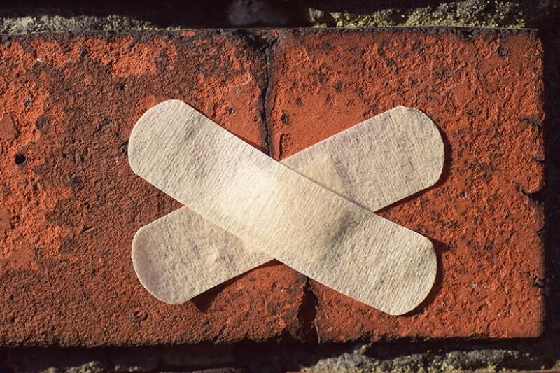 wall-crack-plasters-780.jpg