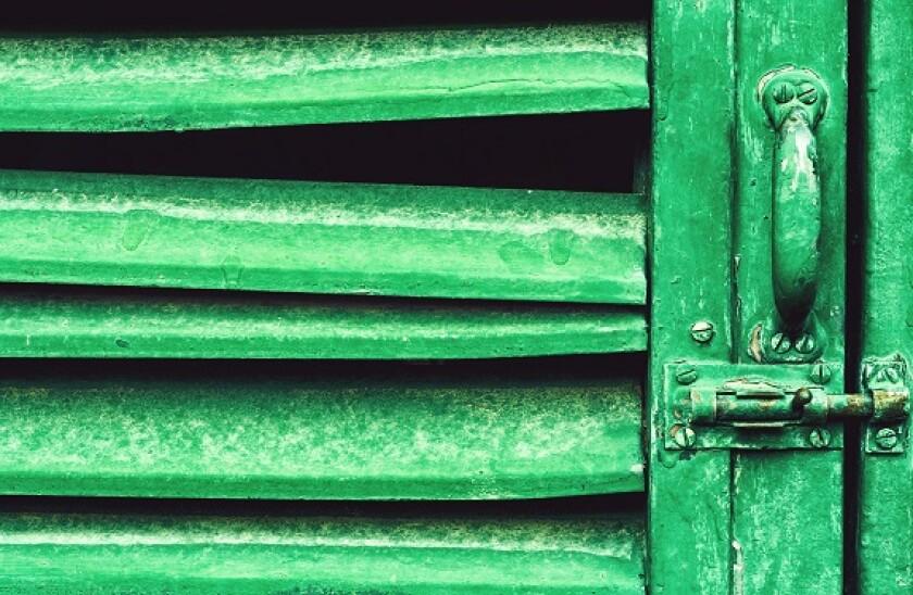 Green_door_Alamy_575x375_18May21