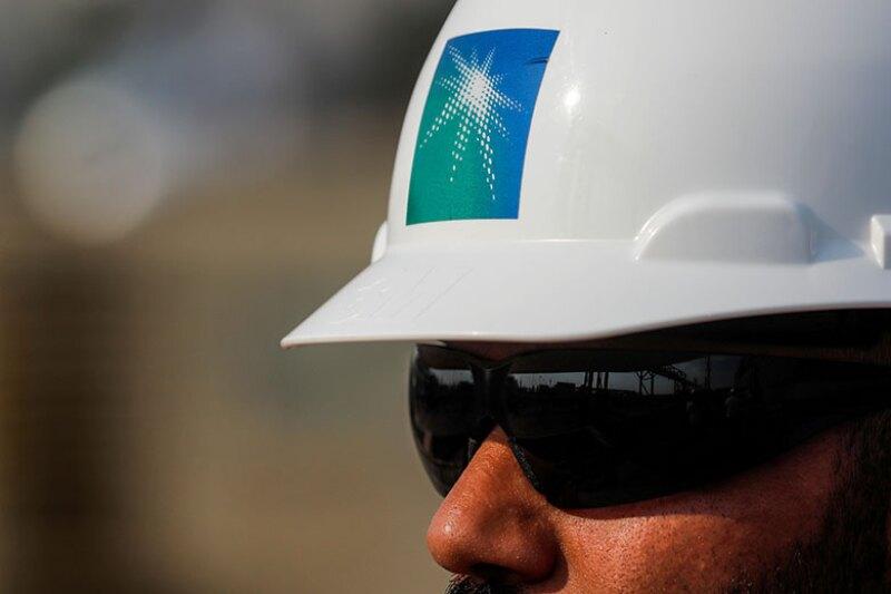 Saudi-Aramco-helmet-logo-R-780.jpg